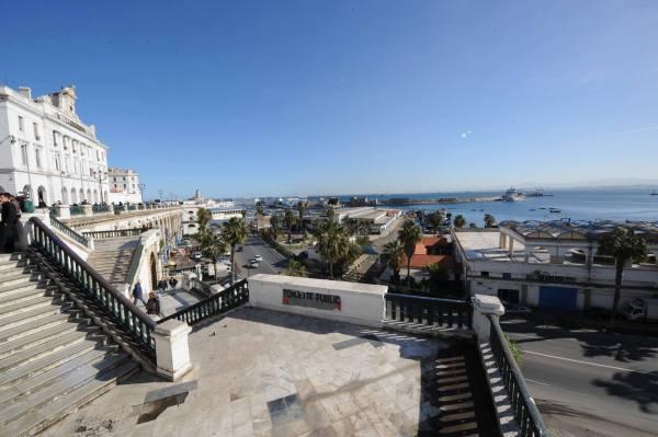 首都阿爾及爾一充滿地中海風情的港口城市